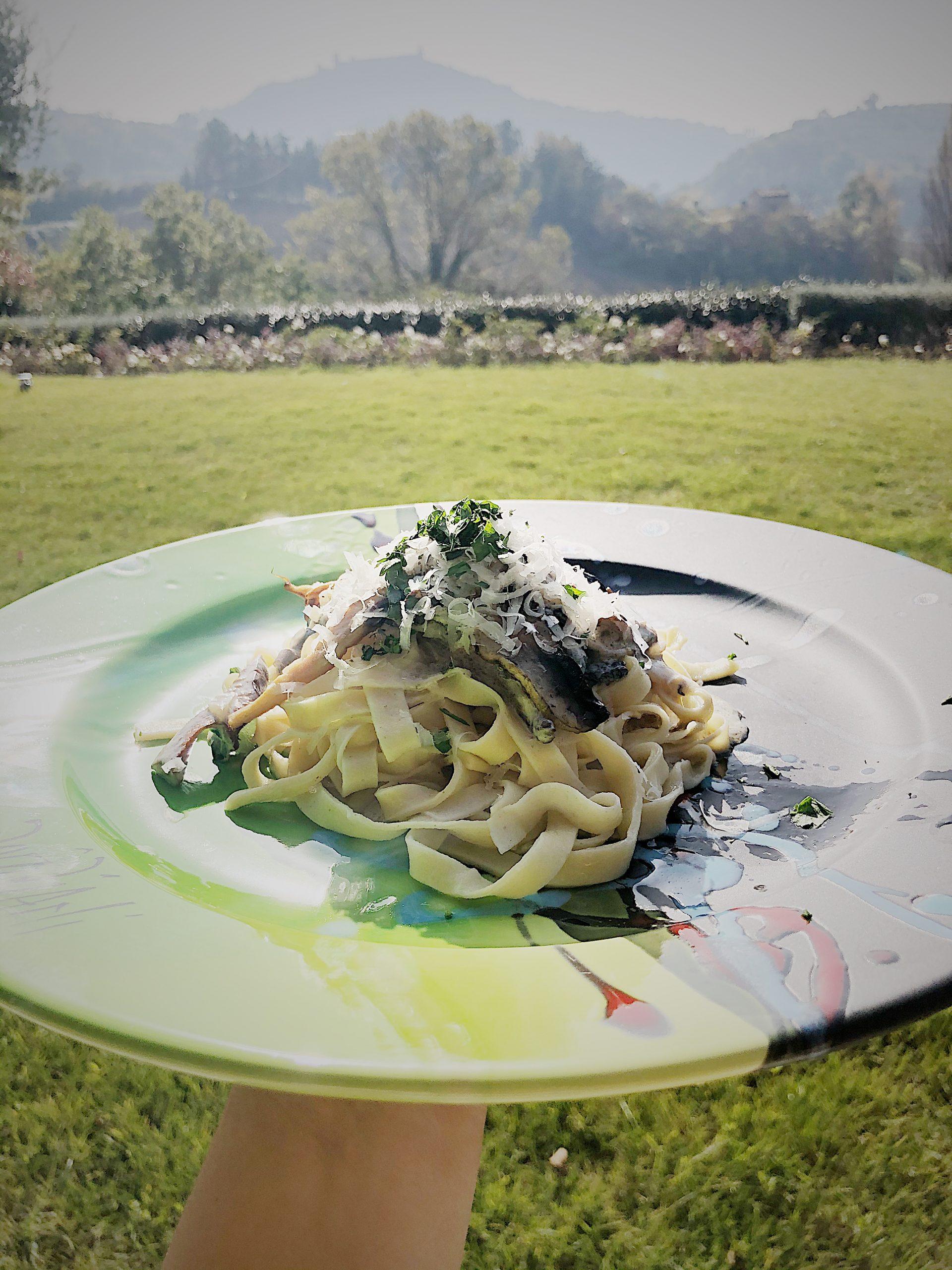 Cardoncello - przepis na sos śmietanowy z grzybami