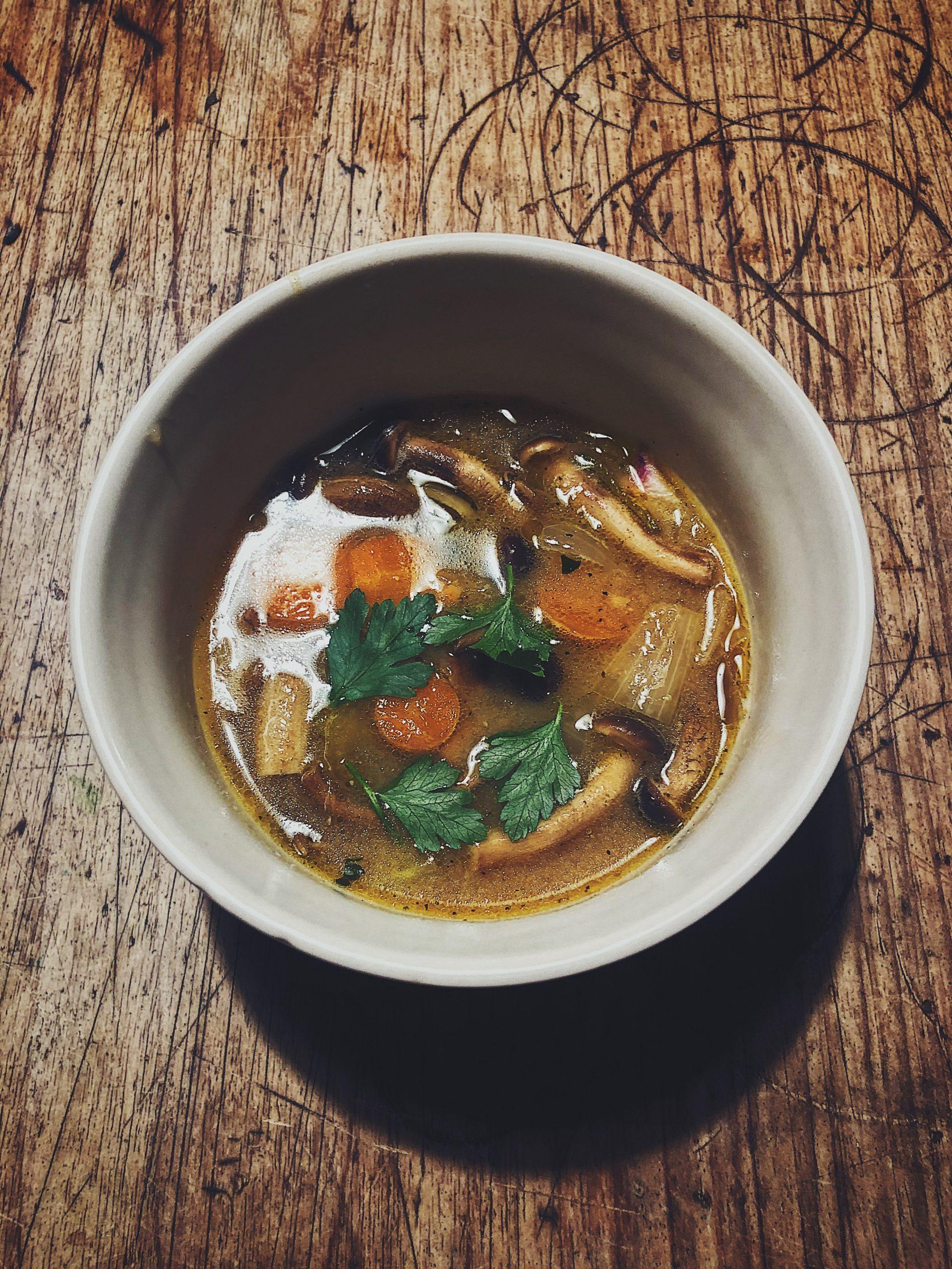 Pioppini - zupa miso z grzybami pioppino