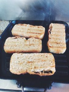 Bruschetta smażenie chleba