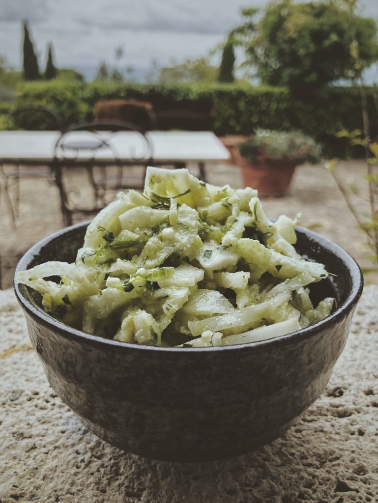 Koper włoski - Surówka z fenkuła i parmezanu