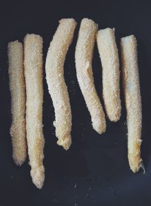 Białe szparagi w panierce