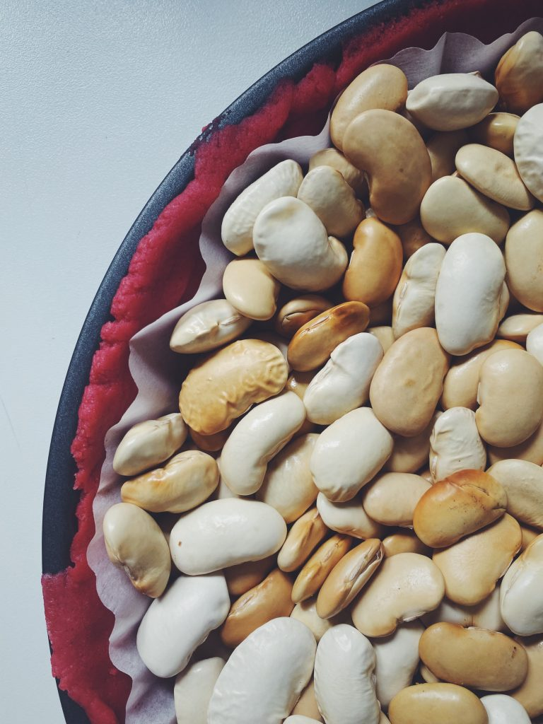 Obciążniki - Czym obciążyć tartę - kulki ceramiczne, czy fasola, groch etc