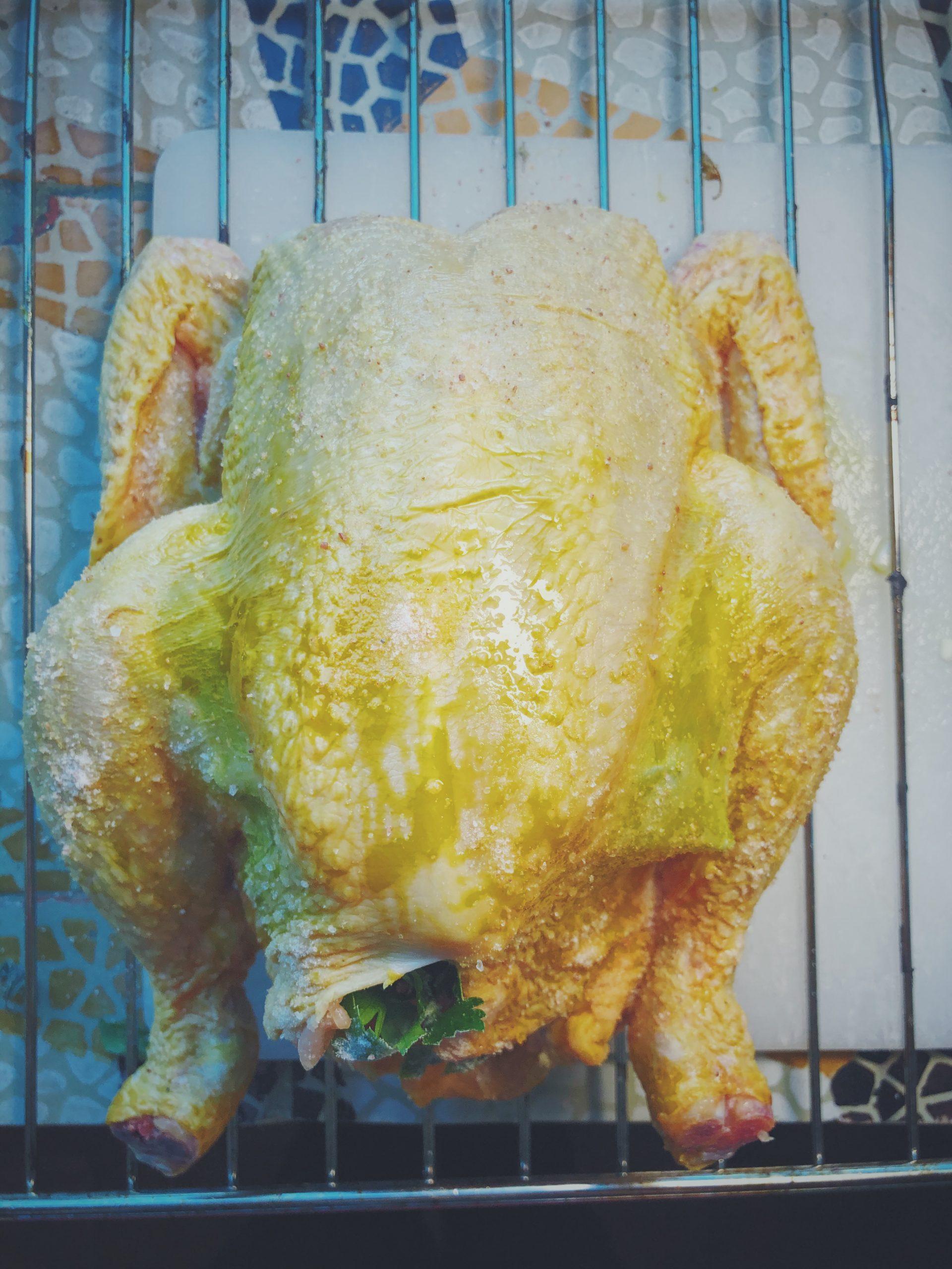 Kurczak pieczony w całości - posyp solą